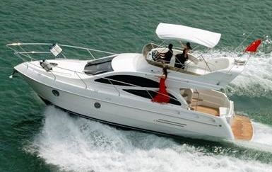 38' Flybridge Motor Yacht With Tunnel Hull